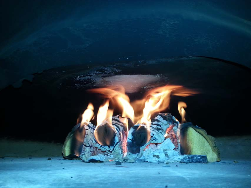 How to Light a Woodfired Oven - Big Pizza Pies
